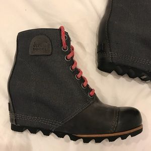 Sorel Wedge Boots (9)
